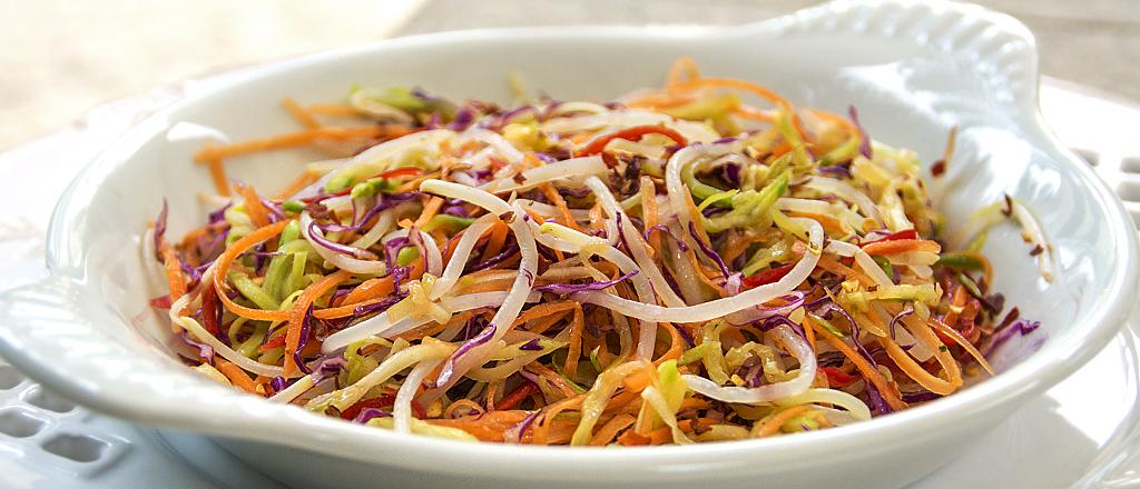 Oriente-se pela boa forma: salada Asian Slaw