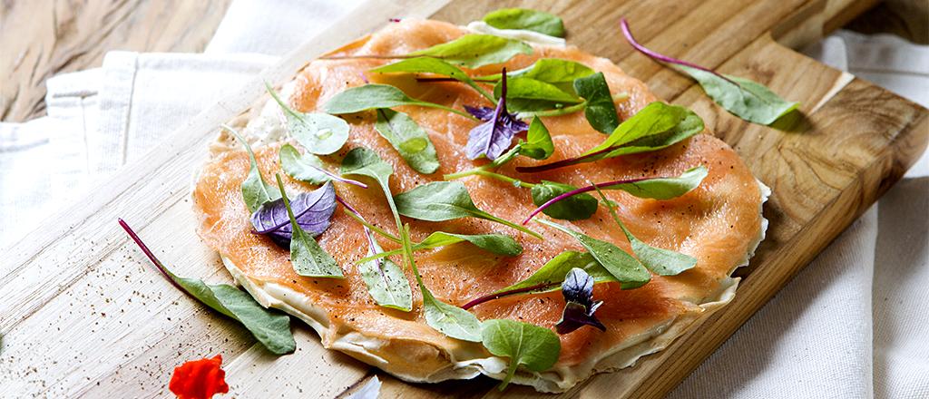 Crostini de salmão trufado