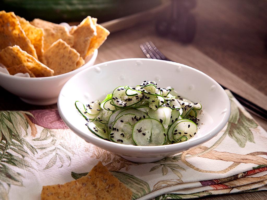Salada oriental de pepino