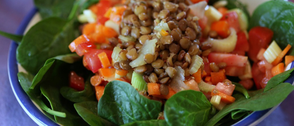 Salada de espinafre e lentilhas