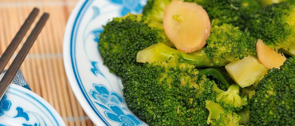 Brócolis com gengibre