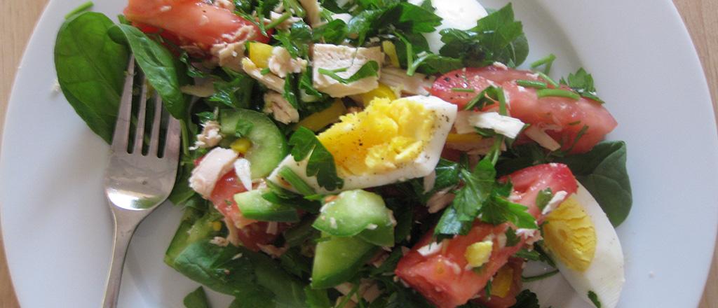 Salada multicolorida