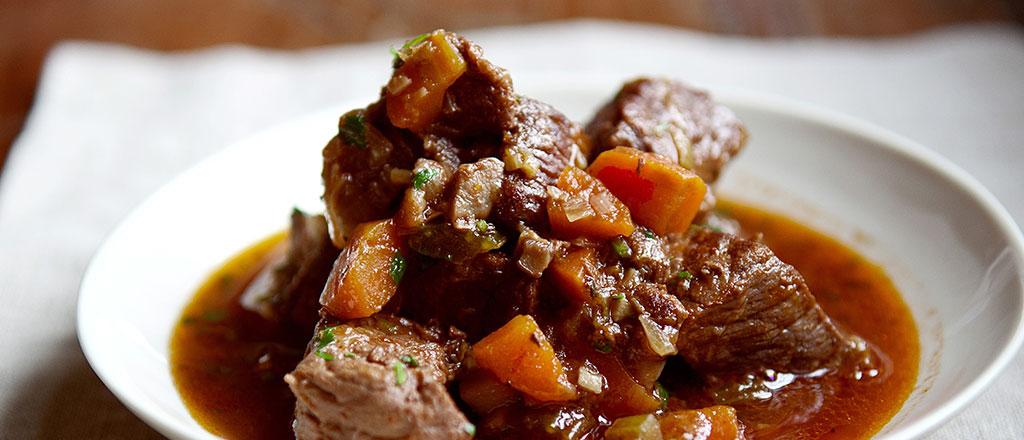 Cozido de carne e legumes
