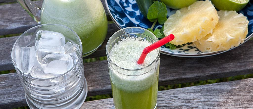 Suco-detox-de-couve-com-frutas