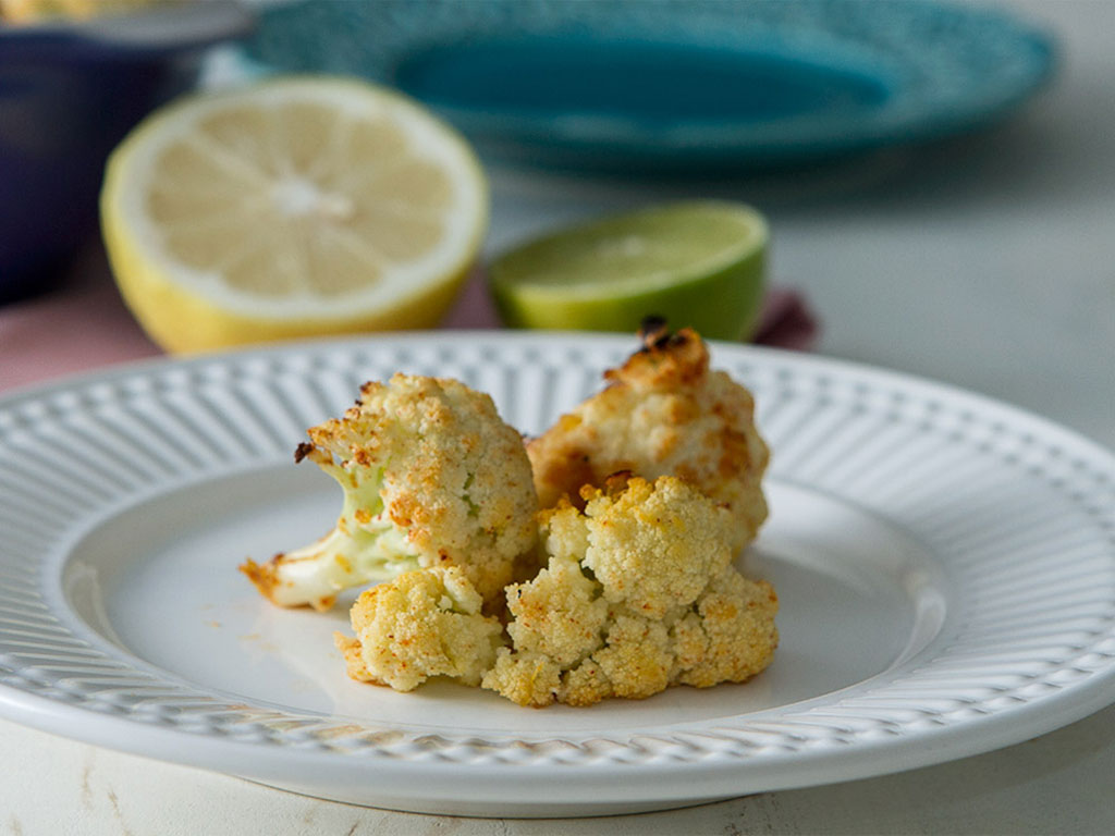 snack-couve-flor-na-mesa