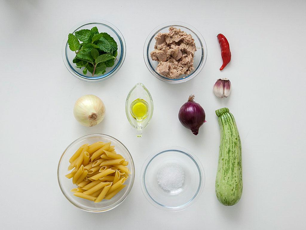 penne-com-atum-e-hortela-ingredientes