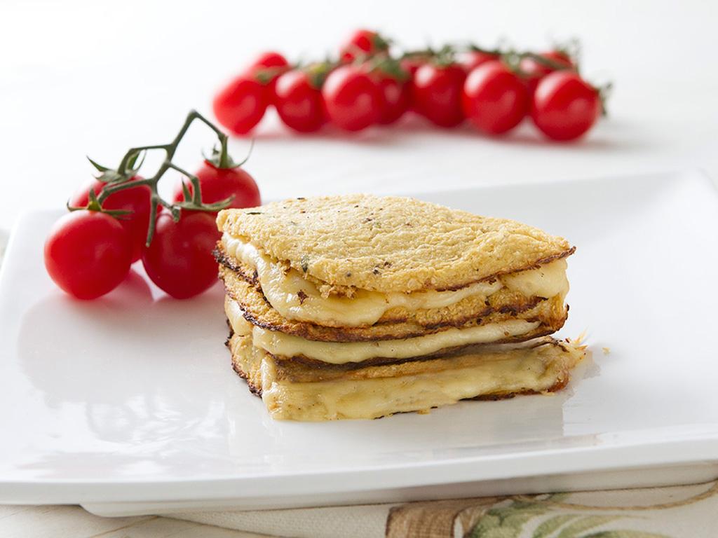 sanduiche-sem-gluten-na-mesa