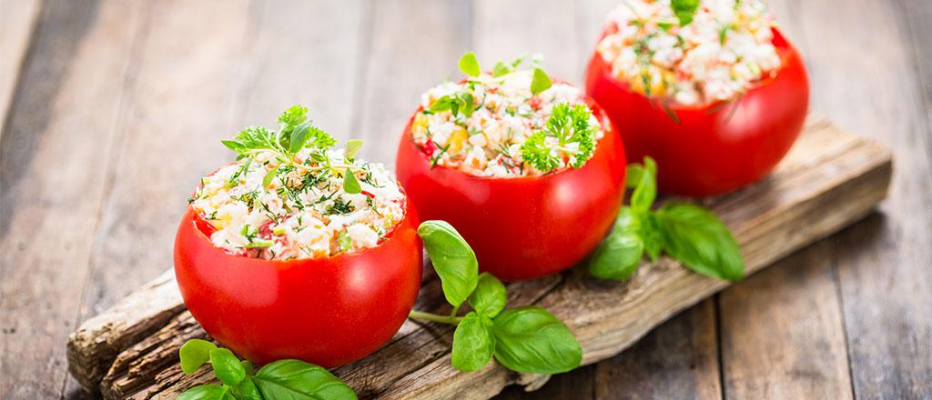 Tomates recheados com abobrinha