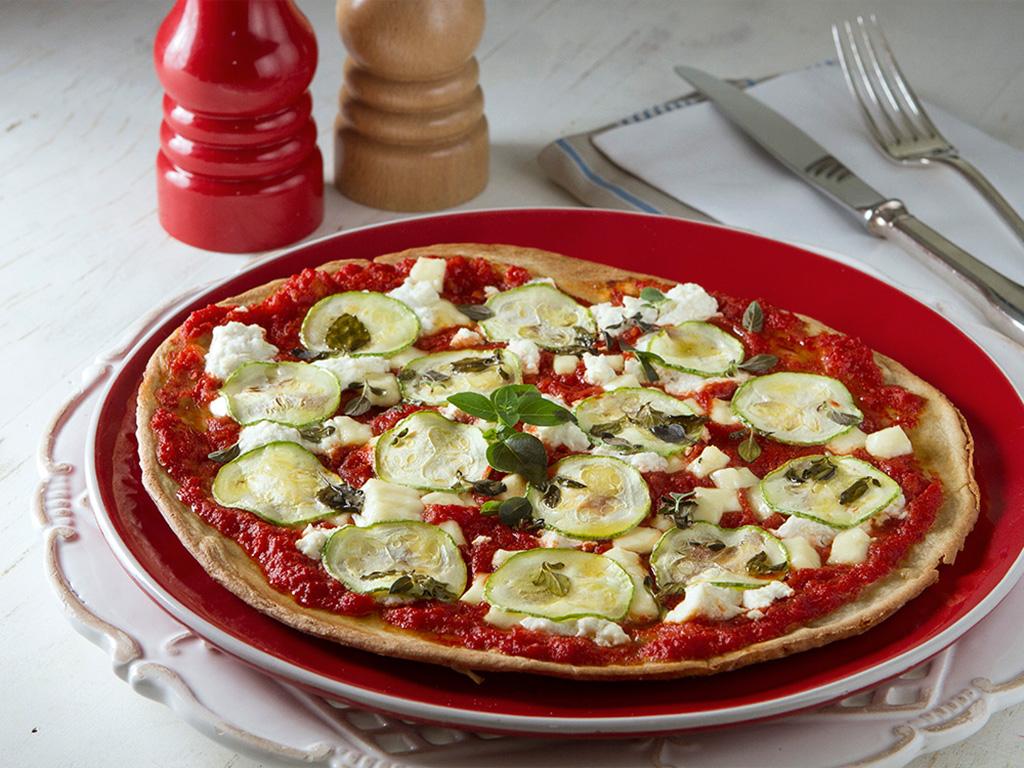 pizza-de-quinoa-na-mesa